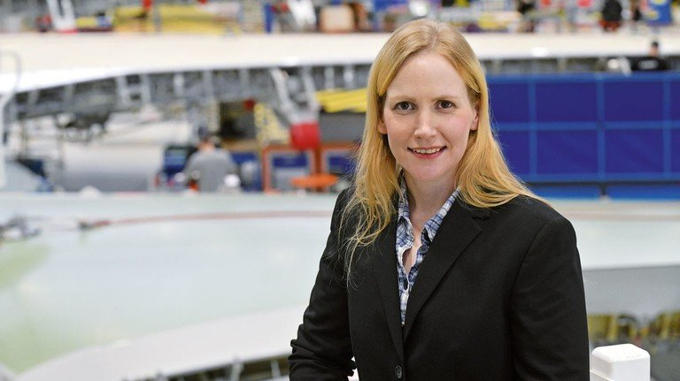 """Zuständig für den """"Glückspfennig"""": Sandra Sabrina Groß arbeitet im Ideenmanagement von Airbus in Bremen."""