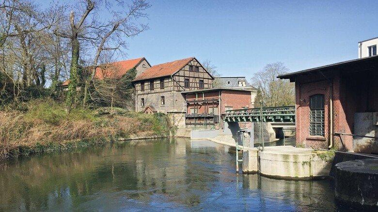 Grüne Industrie-Idylle: Aus dem eigenen Wasserkraftwerk bezieht die Gießerei der Firma Friedrich Lohmann CO2-neutral ihren Strom.