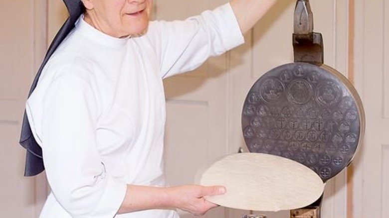 Ohne Hefe und Backpulver: Hostien für das Abendmahl. Foto: Drexel
