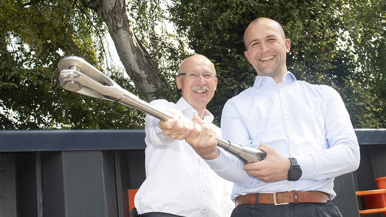 Die beiden Chefs: Dirk und Daniel Schroeder (rechts).