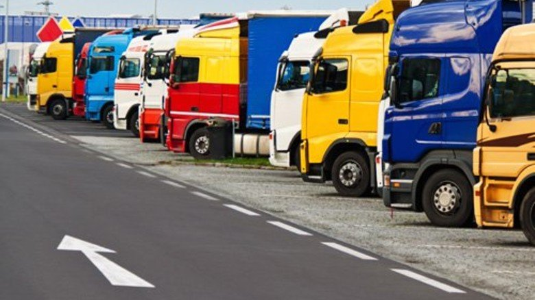 Gedränge: Bundesweit fehlen 10.000 Lkw-Parkplätze. Foto: fotolia