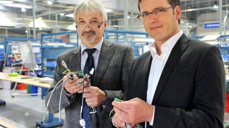 Erfolg mit System: Geschäftsführer Lars-Jan Szymanski (rechts) und Werkleiter Hubert Luttmann. Foto: Werk