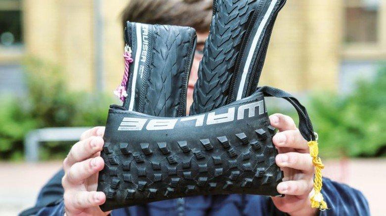 Stylish: Fahrradreifen ermöglichen verschiedene Outfits für die Etuis. Foto: Gossmann