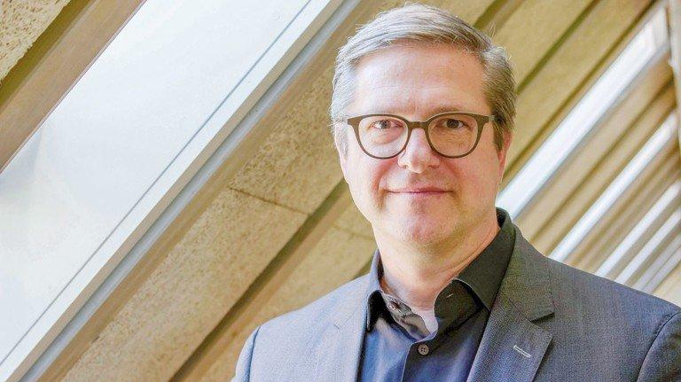 Kennt sich bei Bürgerprotesten aus: Professor Frank Brettschneider von der Universität Hohenheim bei Stuttgart forscht dazu.