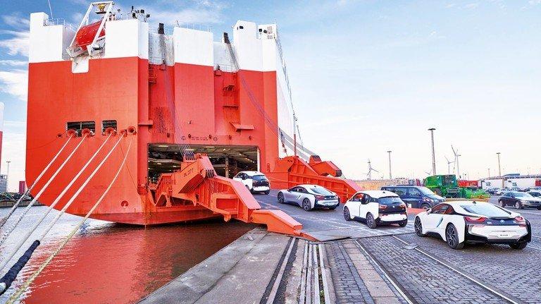 Langsam wieder in Fahrt kommen: Digitalisierung hilft bei der Auslieferung von BMW-Neufahrzeugen. Deren Fertigung ist sehr flexibel: Bis spätestens sechs Tage vor Produktion eines Wagens können Kunden die Ausstattung noch ändern.