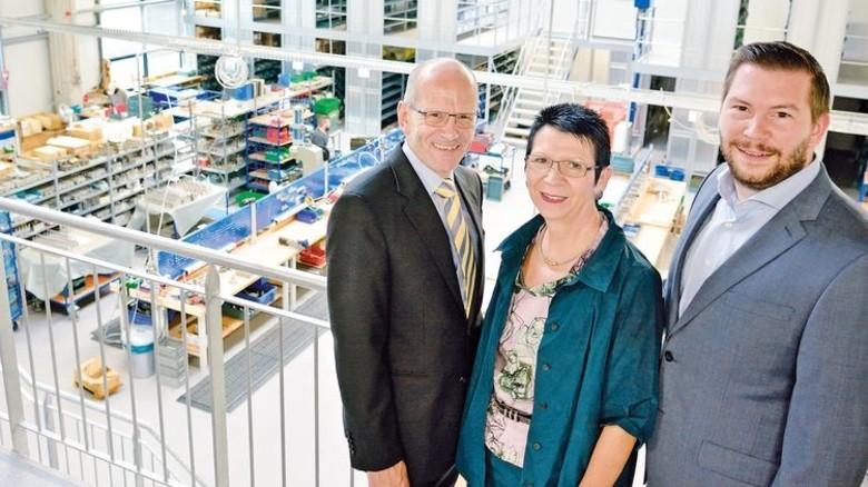 Ziehen an einem Strang: Dagmar Bollin-Flade mit ihrem Ehemann Bernd Flade und Sohn Constantin Flade. Foto: Scheffler