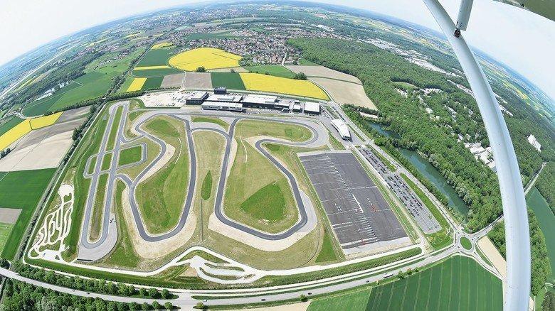 Platz zum Üben: Das Testgelände von Audi in Neuburg (im Luftbild).