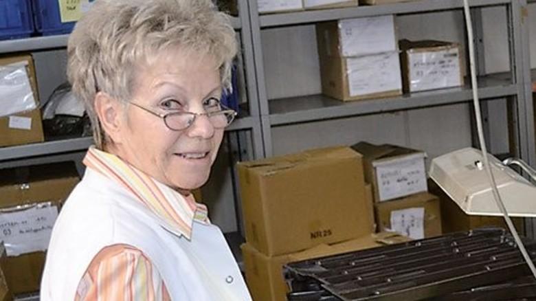 Monika Reichel: Sie kam mit 15 – und wird auch mit 70 noch stundenweise gebraucht. Foto: Werk