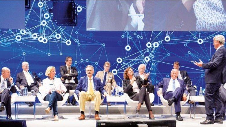 Engagierte Diskussion: Die hochkarätigen Experten beantworten Fragen des Publikums. Foto: Bodmer