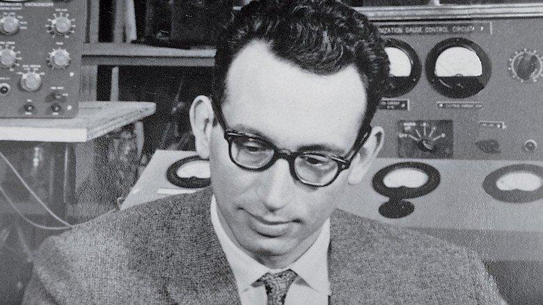 Der Bremer Physiker Ludolf Jenckel baute 1947 eines der ersten kommerziellen Massenspektrometer.