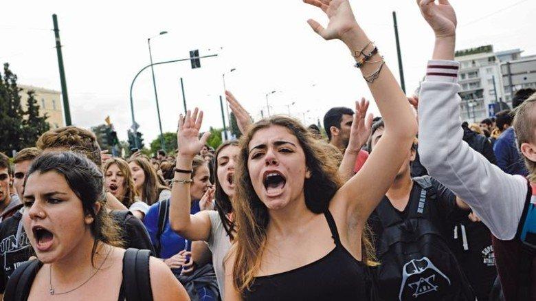 Hitziger Protest: In Athen gingen im November Schüler und junge Arbeitslose auf die Straße. Foto: Getty