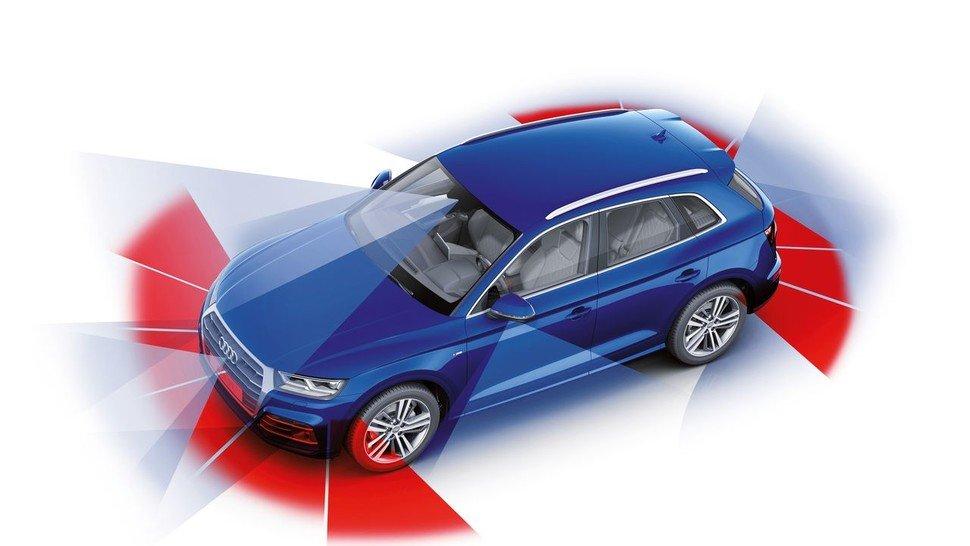 In einem Oberklasse-Modell von Audi stecken zum Teil mehr als drei Dutzend Assistenzsysteme.