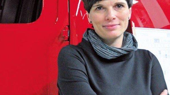"""""""Ich musste mich durchbeißen. Aber ich habe es am Ende allen gezeigt."""" Katarzyna Nowojewska, Fertigungsleiterin bei Volkswagen in Posen. Foto: Halasz"""