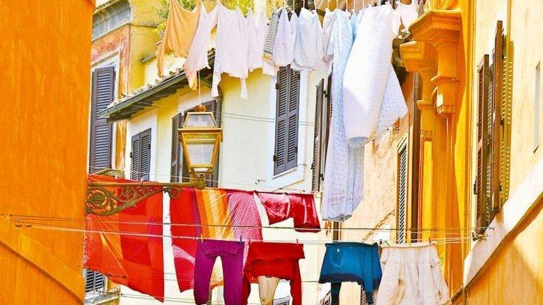 Traditionelle Methode: So kommt Luft an die Wäsche. Foto: Fotolia