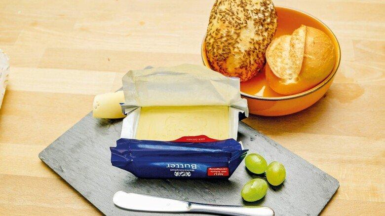 Versiegelt: Die Verpackung mit Frischeverschluss schützt die Weihenstephan Butter perfekt.