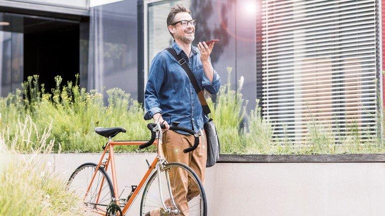 Modernes Leben regeln: Alles wird flexibler. Arbeits- und Privatleben sind nicht mehr so scharf getrennt wie früher. Diese Flexibilität muss sich auch in modernen Tarifverträgen widerspiegeln, die den Betrieben Luft zum Atmen lassen.