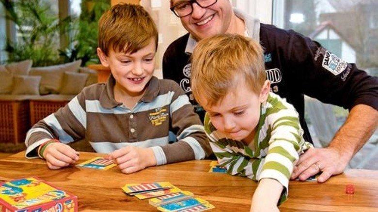 Beides ist für Christian Rehm wichtig: Zeit für seine zwei Söhne … Foto: Mierendorf