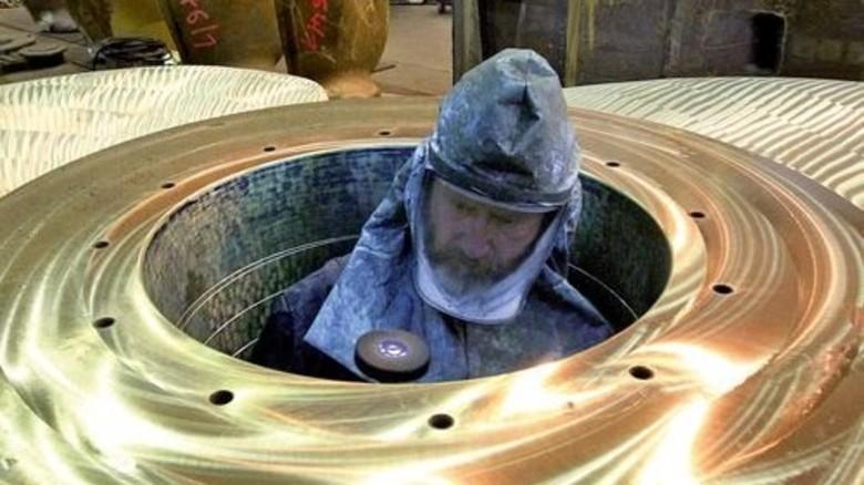 Dem Rost keine Chance: Das Material, aus dem der Propeller gegossen wird, besteht zu 80 Prozent aus Kupfer. Foto: dpa