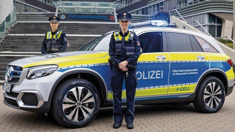 Umweltfreundlich auf Streife: Wasserstofffahrzeug der Hamburger Polizei.