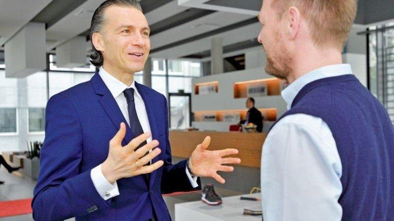 Offen: Der Kontakt zu den Mitarbeitern ist Müllerschön sehr wichtig. Foto: Sigwart