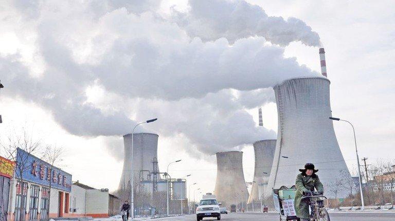 Kraftwerk in China: Die Volksrepublik stößt 30 Prozent des weltweiten Klimagases aus. Foto: dpa