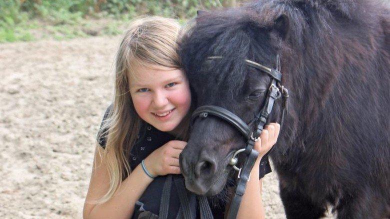 Ferien mit Pferden: Auf dem Eschenhof in Ostfriesland kann man auch ganze Urlaubswochen verbringen. Foto: Eschenhof