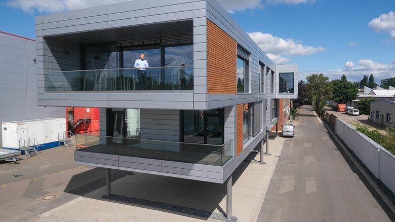 Bietet ein kreatives Umfeld: In diesem Stahlbau entwickeln Mitarbeiter von SEH Engeneerig Neues.