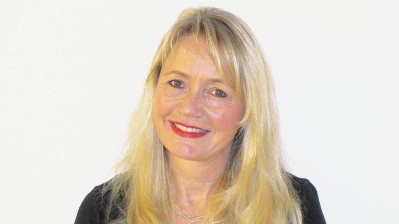 """""""Wir hätten gerne mehr Bewerbungen von Frauen"""",  sagt Claudia Radfelder, Ausbildungsleiterin am Bayer-Standort GP Grenzach Produktions in Grenzach-Wyhlen"""