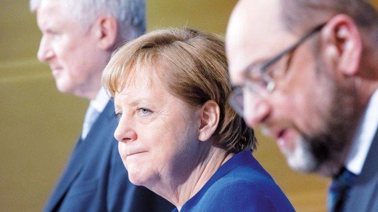 Auf Koalitionskurs: CSU-Chef Horst Seehofer, Kanzlerin Angela Merkel und SPD-Chef Martin Schulz (von links). Foto: dpa