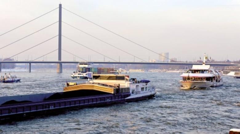 Wasser: Schiffe  können bei Gegenverkehr autonom reagieren. Foto: PantherMedia