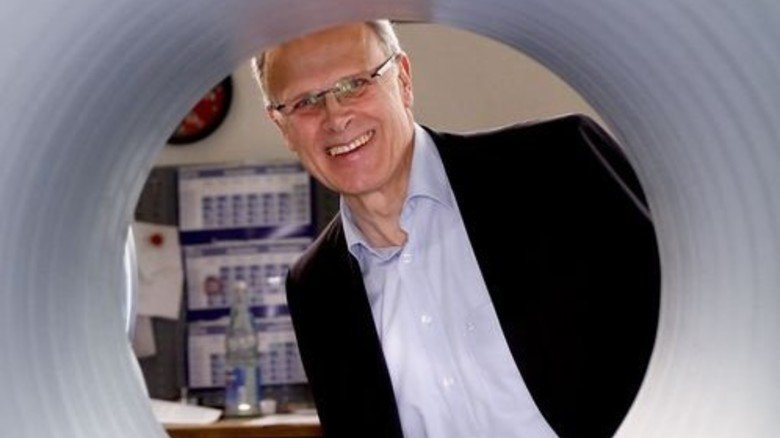 """Firmenchef Franz-Josef Köser: """"Einige unserer Maschinen haben wir selbst entwickelt."""" Foto: Nougrigat"""