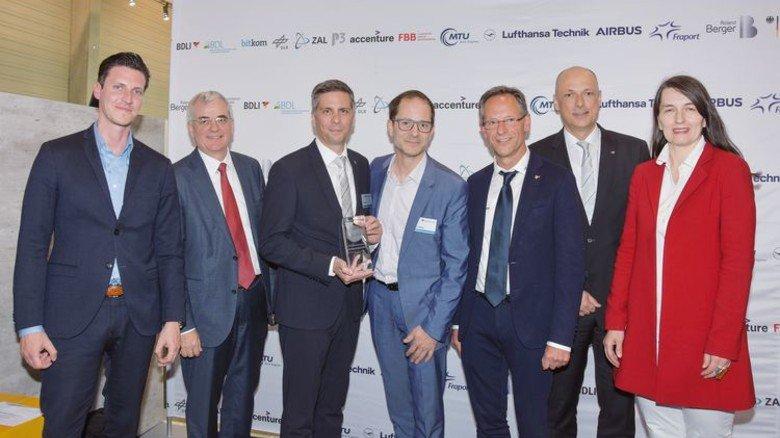 Stolze Preisträger: Das Team von Premium Aerotec. Foto: Werk