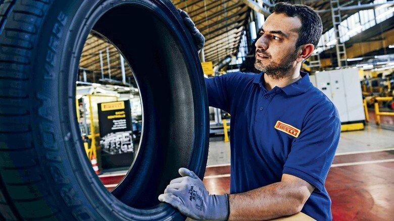Fertiger Reifen: Auch beim Materialeinkauf achtet Pirelli auf Umweltverträglichkeit.