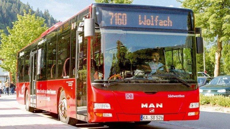 Privat: Ein Bus der bisher nur auf Umlandstrecken tätigen DB Regio fährt jetzt auch in Pforzheim. Foto: DB