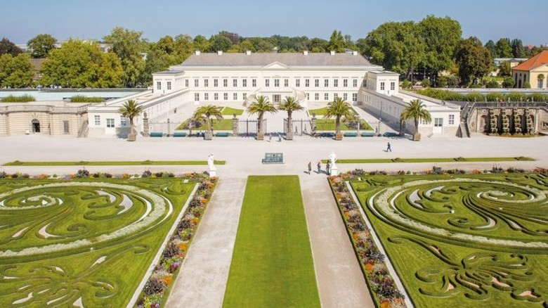 Ort des Arbeitgeberforums: Das Schloss Herrenhausen. Hinter der klassizistischen Fassade verbirgt sich modernste Veranstaltungstechnik. Foto: Coptograph