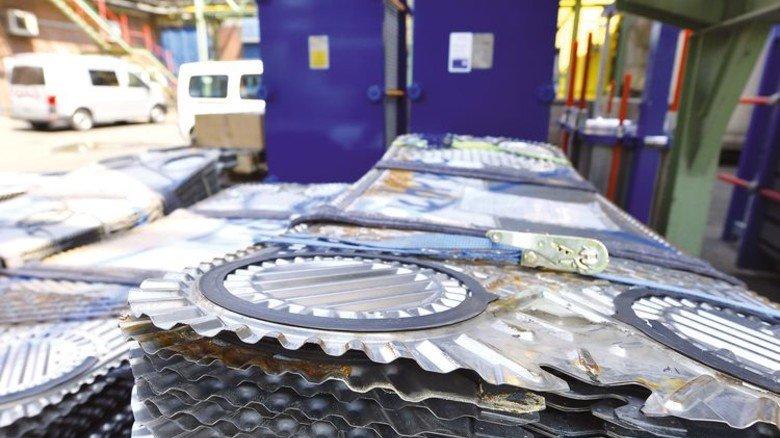 Widerstandsfähig: Bleche aus einer Nickellegierung für den Wärmetauscher von Alfa Laval. Foto: Christian Augustin