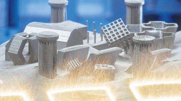 Vielfalt: Filigrane Bauteile aus der additiven Fertigung. Foto: Werk