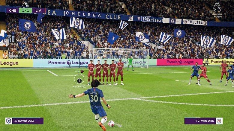 """Freistoß: Auch die Fußball-Simulation """"Fifa"""" zählt bei aktiven Zockern wie passiven Bildschirm-Fans zu den beliebtesten Spielen."""