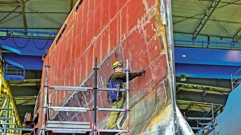 Anspruchsvoll: In Kiel entsteht der Rumpf für ein Megajacht-Projekt der Schwesterwerft Nobiskrug.