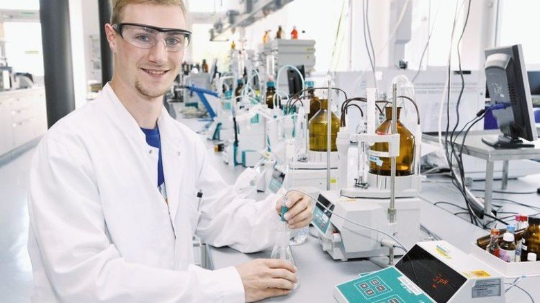 Gut organisiert: Christoph Huchler, Chemielaborant bei Boehringer Ingelheim in Biberach. Foto: Sigwart