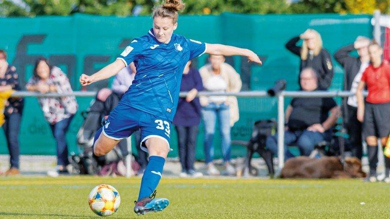 Immer am Ball: Die 20-Jährige spielt aktuell in der zweiten Mannschaft der TSG 1899 Hoffenheim.