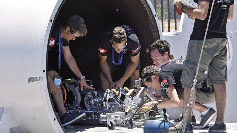 Hyperloop-Forschung: Studenten bei einem Wettbewerb in Kalifornien. Foto: Picture Alliance