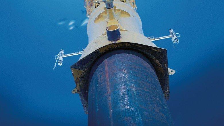 Tiefseetauglich: Ein Hydraulikhammer vom Typ MHU 500T beim Unterwasser-Einsatz.