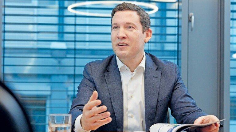 Engagiert sich für die Umwelt: Julian Utz, Vorstand für Forschung & Entwicklung beim Boden-Spezialisten Uzin Utz.