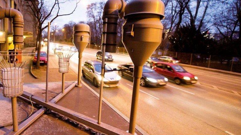 Messstation: An der Neckartor-Kreuzung  in Stuttgart werden die Grenzwerte an manchen Tagen gerissen. Foto: dpa