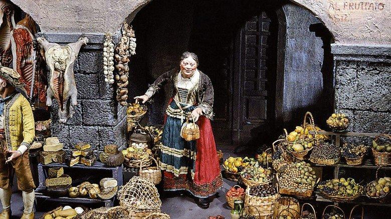Krippe aus Süditalien: Details eines neapolitanischen Marktplatzes, zu sehen im Bayerischen National- museum.