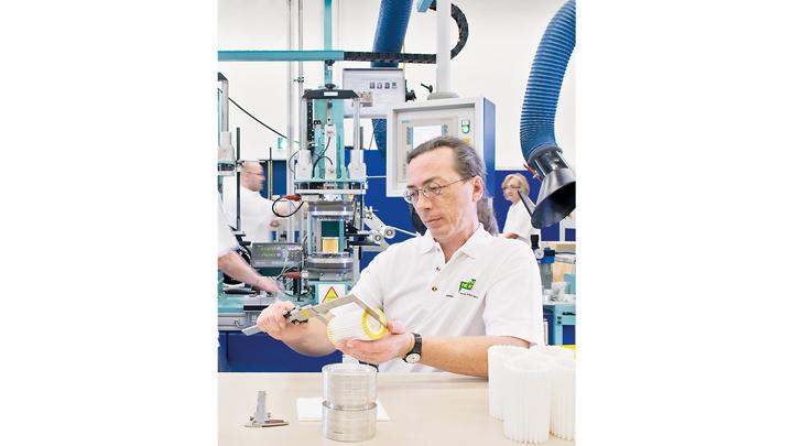 Von Niederbayern in alle Welt: Das Mann+Hummel-Werk in Marklkofen produziert Filtermedien und Filterelemente für unterschiedlichste Anwendungsbereiche.